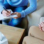 Cómo puede ayudarte acudir a terapia psicológica